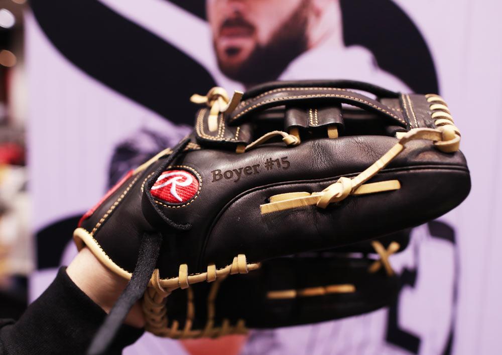 Custom Engraved Baseball Gloves   Ink Wells